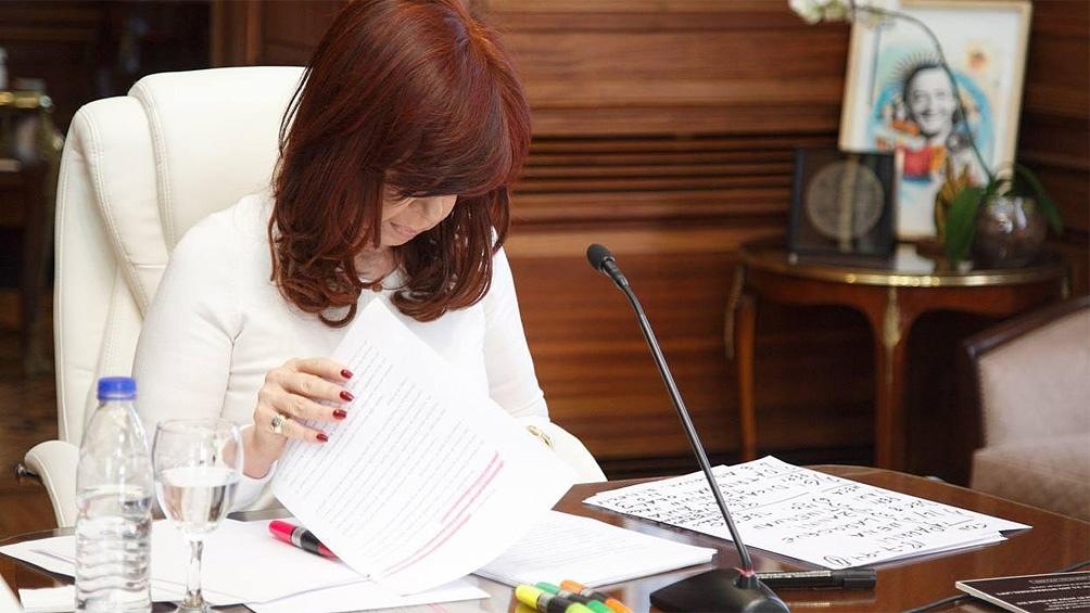 "Cristina calificó como ""disparate judicial e institucional"" a la causa del Memorándum con Irán"