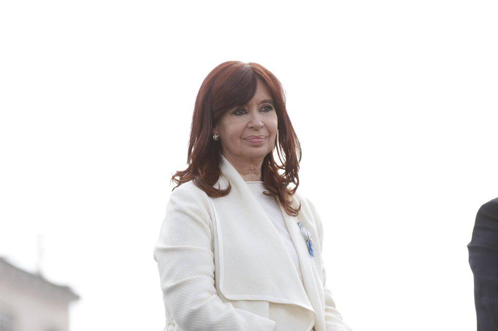 """Cristina Fernández: """"Le pido al presidente que honre la voluntad del pueblo argentino"""""""